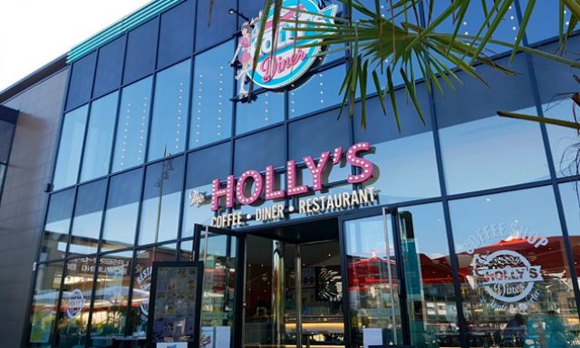 Holly's Diner Dijon